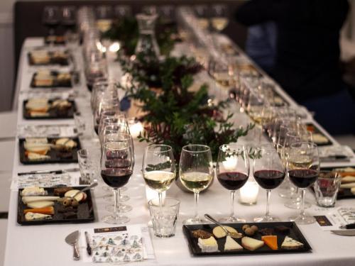 Table Arrangement 1