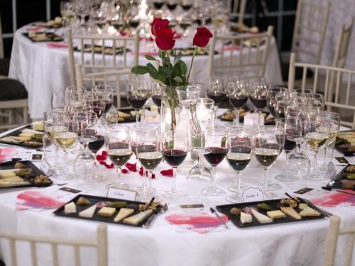 Table Arrangement 2