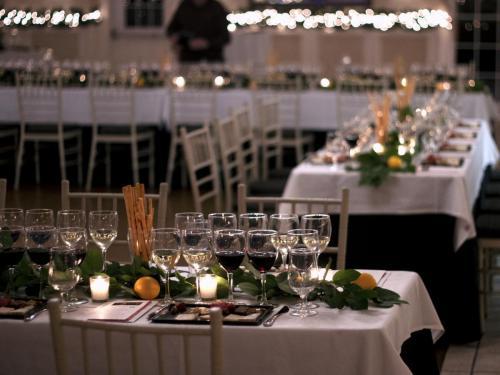 Table Arrangement 4