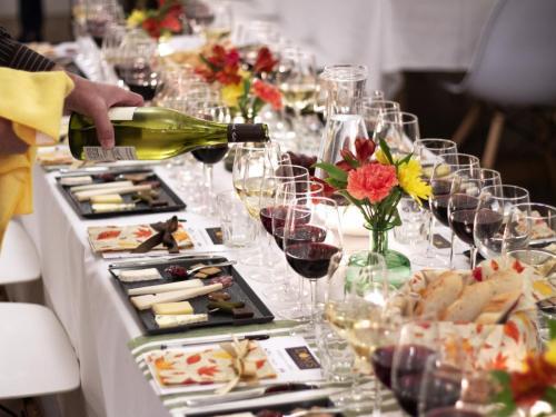 Table Arrangement 8